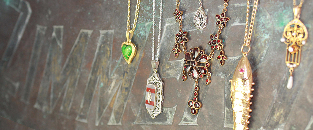 Estate Necklaces & Pendants